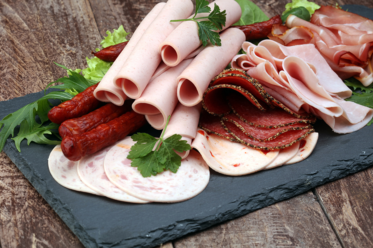 Meat products Sausage Ham Sliced food 560910 1280x853